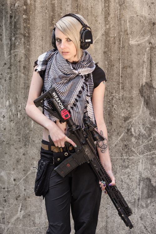 Weapon Outfitters: Photo