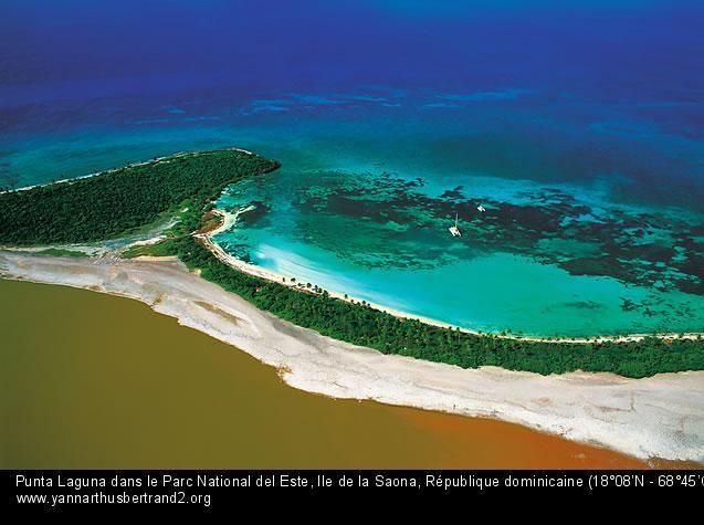 Punta Laguna dans le Parc National del Este, Ile de la Saona, République dominicaine (18°08'N - 68°45'O) by #YannArthusBertrand