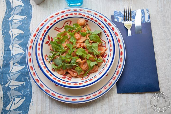 Orecchiette rosè con gamberi e rucola