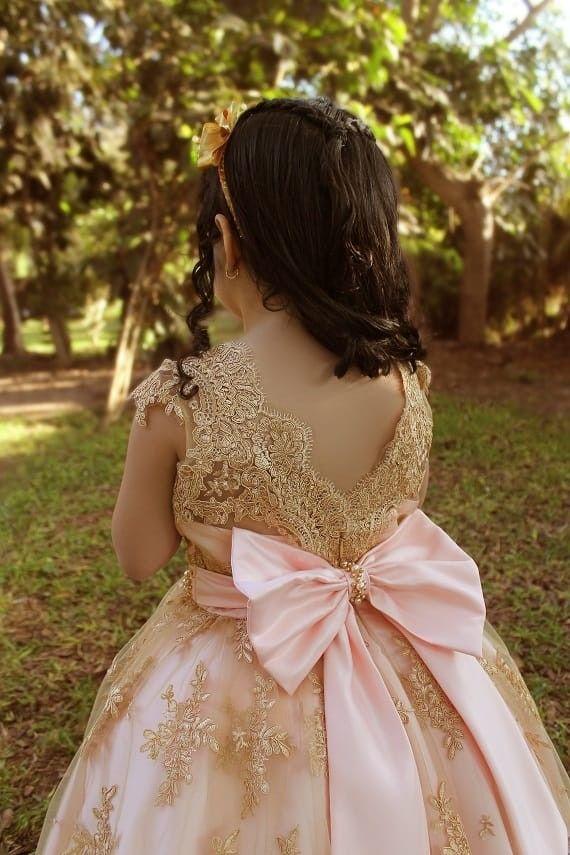 Encage Bruselas En Tono Dorado Y Podesua Salmon Flower Girl Dresses Wedding Dresses Flower Girl