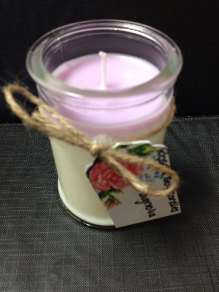 Two colour tomed magnolia candle