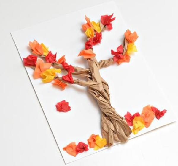 The air is crisp, the leaves are changing and it's time think about fall crafts!  Get started with these great fall craft ideas made out of paper bags!