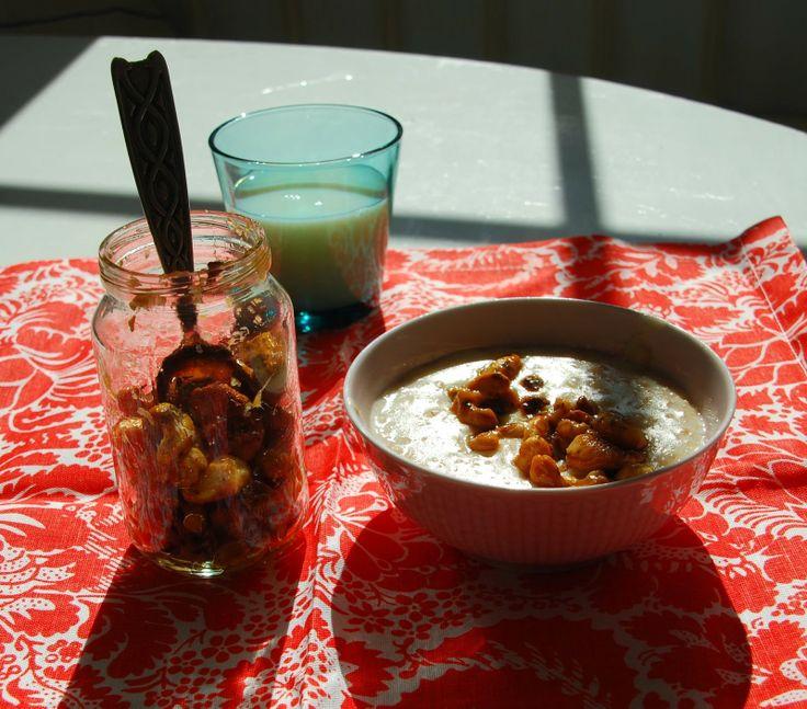 Spelt porridge with honey roasted nuts