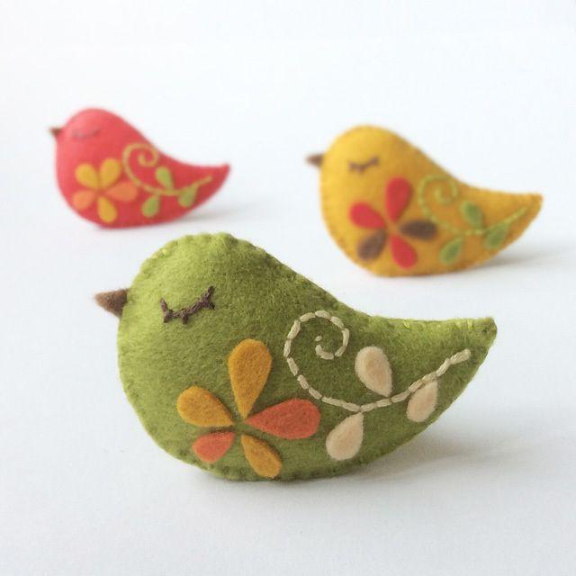 夢見る小鳥のマグネット(緑)