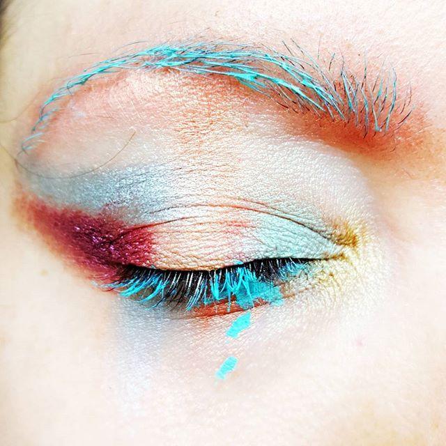 ☆skin☆ @narsissist sheer glow foundation and @makeupforeverofficial HD foundation ☆eyes☆ @buxomcosmetics shadows and @nyxcosmetics mint mascara   #makeupartist #makeup #mua #eotd #art #colour #bold #passion #makeupsocial #dressyourface #wakeupandmakeup #undescovered_muas #amazingmakeupart