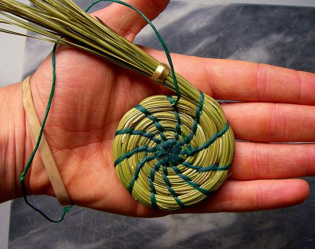 pine-needle-basket-start