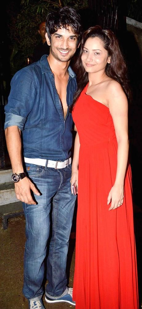 Sushant Singh Rajput and Ankita Lokhande at Abhishek Kapoor's big birthday bash for Pragya #Bollywood #Fashion