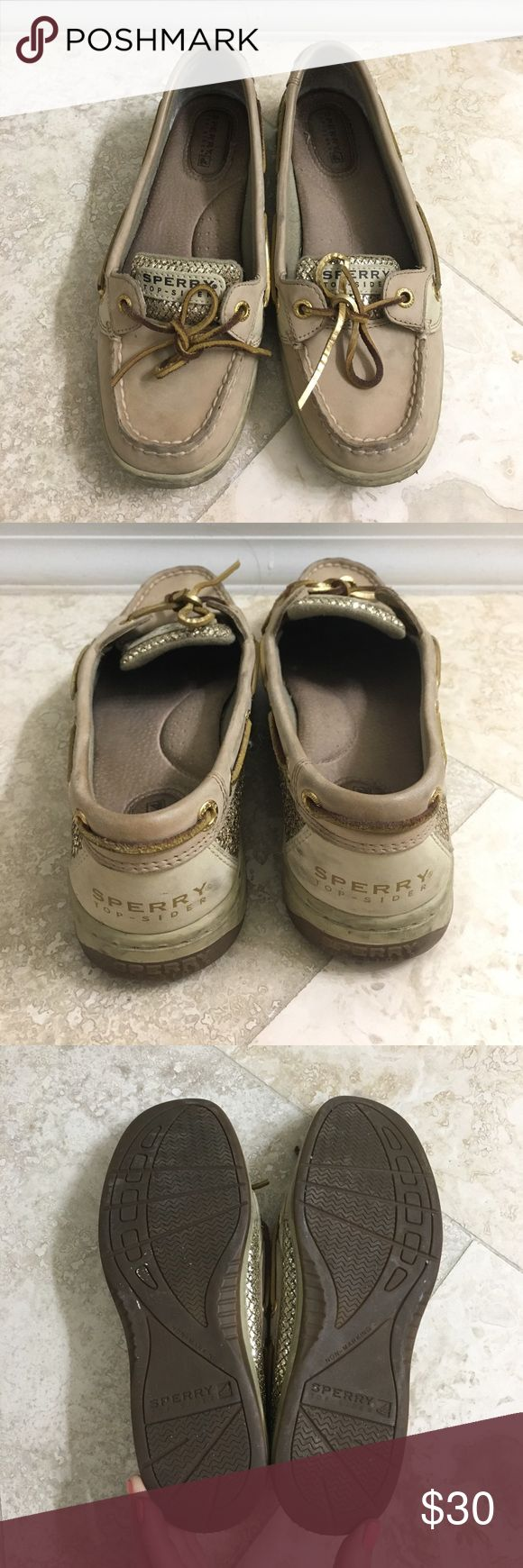 Sperry Top-Sider Angelfish Gold Sequin Boat Shoe Used pair of super cute Sperry boat shoes in size 6.5. Just the right amount of bling for an everyday look. Great shoe for spring/summer! Sperry Top-Sider Shoes Flats & Loafers