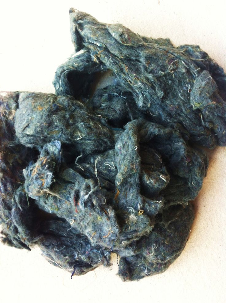 Denim cotton fibers. 100g, waste fibers from denim mills, spinning, feLting, weaving, dying and arts and crafts. Fibre art supplies. by Yarnyarnyarns on Etsy