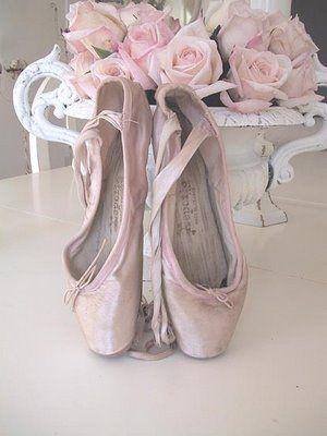 pink ballet shoesPoint Shoes, Dreams, Ballerinas, Ana Rosa, Toes, Vintage Ballet, Pink Rose, Ballet Shoes, Dance Ballet
