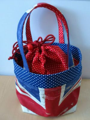 A lunc bag for my knitting projects