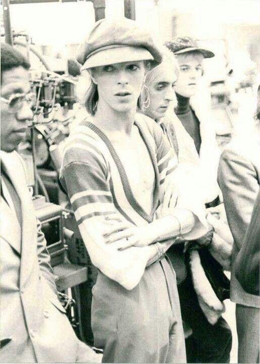vezzipuss.tumblr.com — David Bowie, Mick Ronson & Woody Woodmansey, Circa...