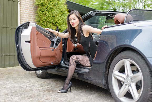 Outfit: Black Party Dress/Mercedes SL500