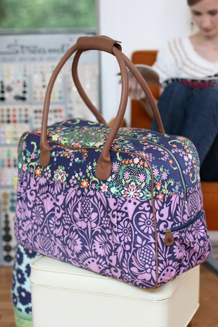 amy butler weekender bag- I like How this one doesn't narrow at the top!