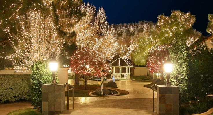 I LOVE this venue!!!!! Sunset Gardens of Las Vegas, wedding, banquet hall, reception site