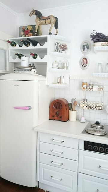 744 best images about Shabby Chic Tiny Apartment on Pinterest : Shelves, Tiny apartments and ...