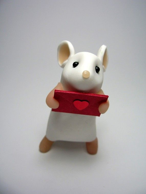 love mouse! This little guy is so adorable.. he looks so hopeful you'll accept his love.