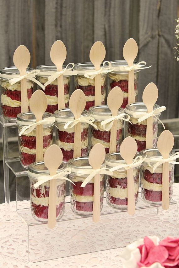 These delicious cakes have buttercream icing on them. They are in a jar tied with a ribbon and a spoon. This listing is for 6 cake in a jar. These are great for any party or wedding. Can be made in a few different flavour of cake. Can do larger orders. Please send me a message. Shipped in 1-3 business days.