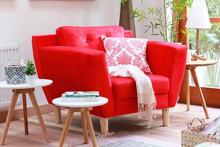 ¡Sal de lo común! ¿Te las juegas con un #sillón #rojo? #Living #Homy #Muebles #Deco