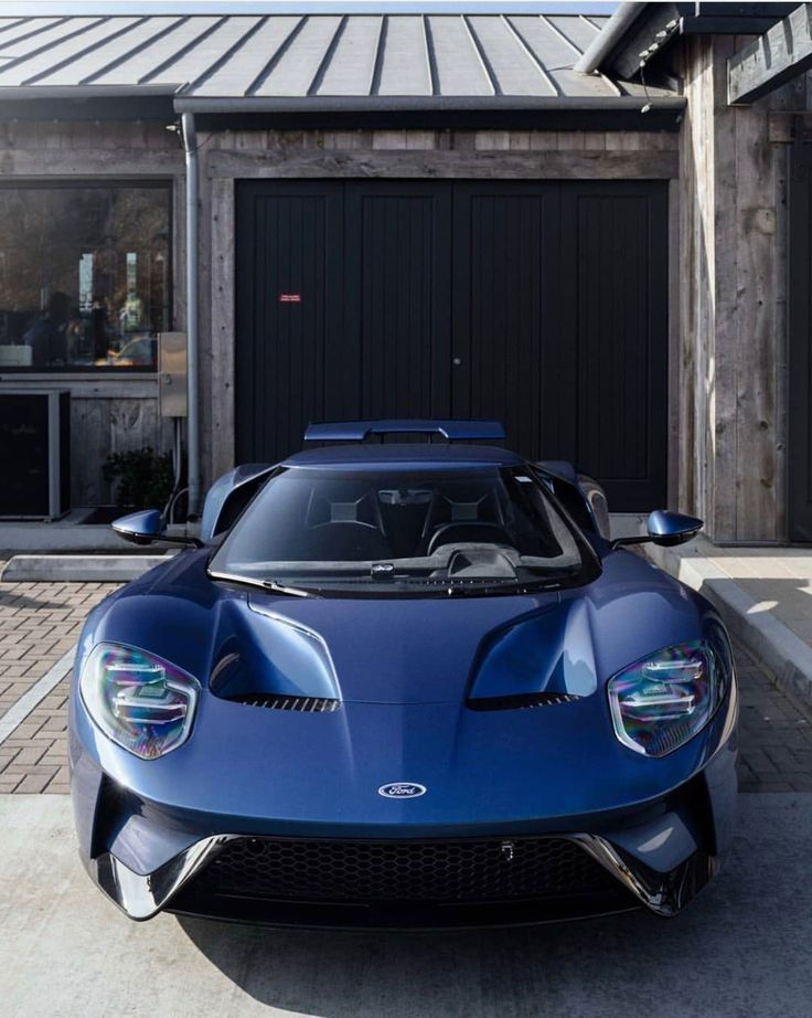 Ford GT painted in Liquid Blue  Photo taken by: @theonetruemo on Instagram
