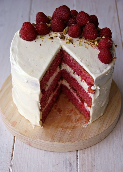 Un trozo del pastel: Cake de frambuesa y pistacho con crema de queso..... de muertee!