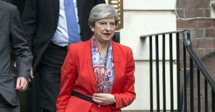 Σε μπούμερανγκ που πλήττει ανεπανόρθωτα τους Συντηρητικούς καθώς και την πρωθυπουργό Τερέζα Μέι και εντάσσει σε κλίμα αβεβαιότητας της Βρετανία εξελίχθηκαν οι πρόωρες εκλογές. Το Συντηρητικό Κόμμα που ανέμενε να ενισχύσει την εκλογική του δύναμη κατήγαγε μια πύρρειο νίκηΔιαβάστε τη συνέχεια