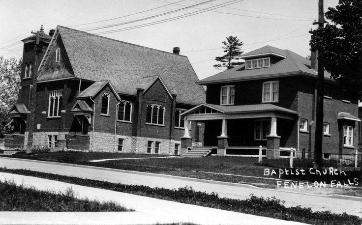 Vintage Photo/Postcard of the Baptist Church in Fenelon Falls, Ontario