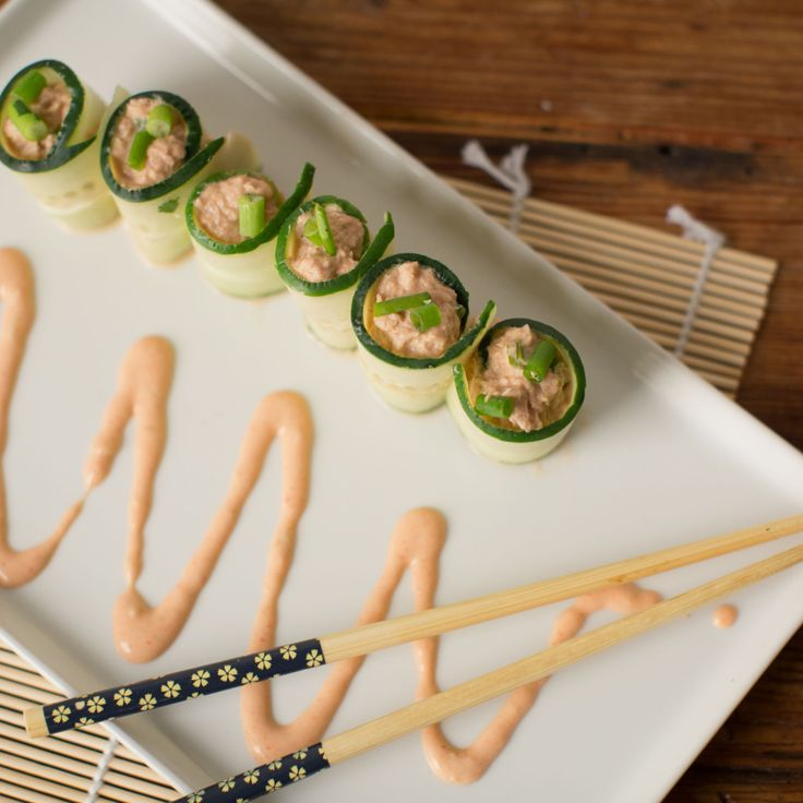 Healthy, simple meal ideas: Spicy Tuna Cucumber Roll-Ups #shopmeals #relayfoods