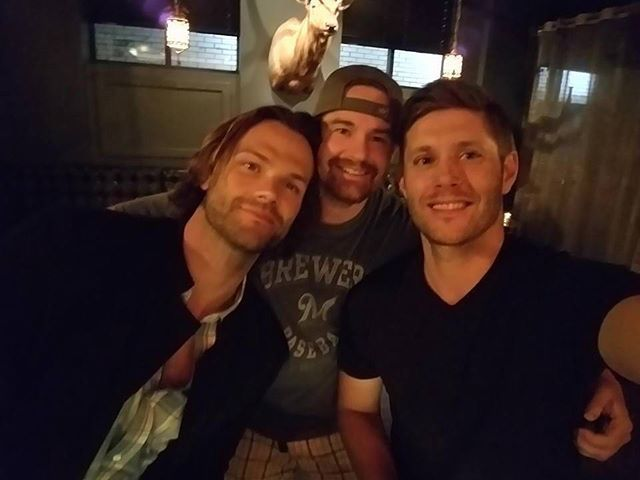 ICYMI @jensenackles and @jaredpadalecki with a fan from last week. Credit https://www.facebook.com/photo.php?fbid=10101002013844872&set=o.277897975749138&type=3&theater  #jensen #jensenackles #ackles #ackleholics #acklesholic #acklesholic #spn #SPN12 #spnfan #spnfans #spnfamily #spnfandom #supernatural #supernaturalfamily  #jared #jaredpadalecki