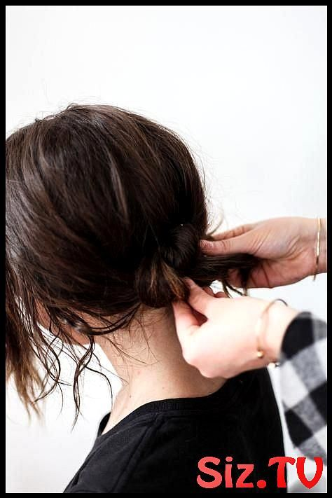 Here Is A Super Easy Hair Tutorial On How To Do A Low Bun I Love This Hair Do Be…