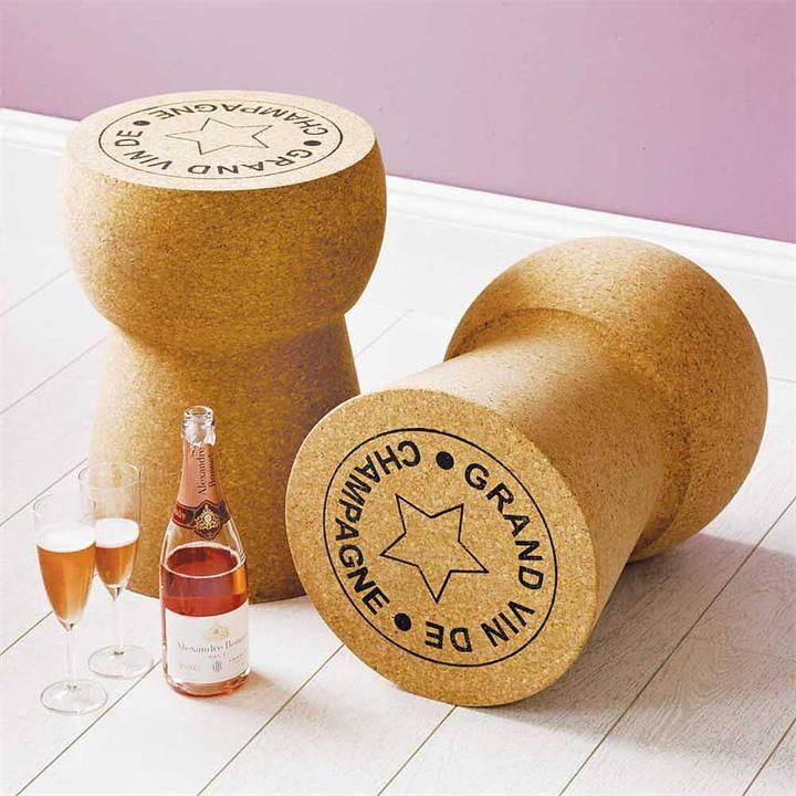 Champagne Cork: стол, стул и кулер в виде дизайна пробки от шампанского
