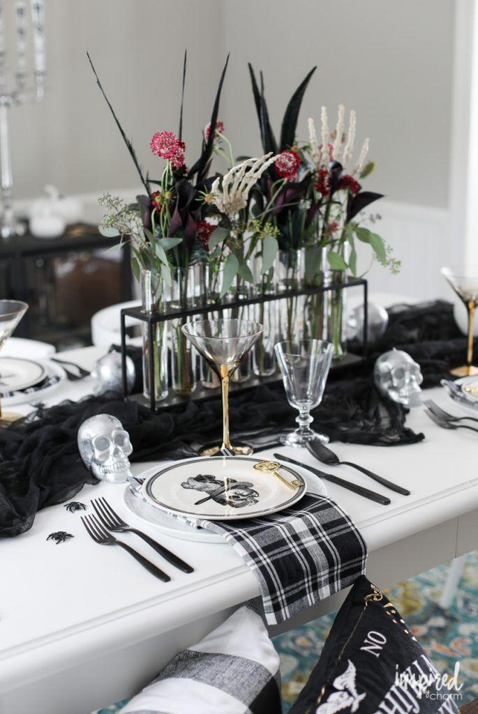 Creative And Spooky Halloween Tables Setting Decor Ideas