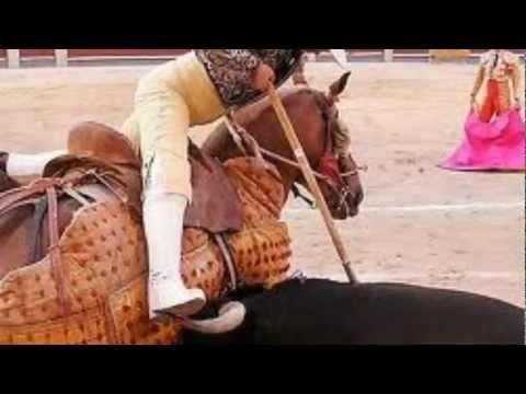 Pablo Escobar habla de la corrida de toros.mov