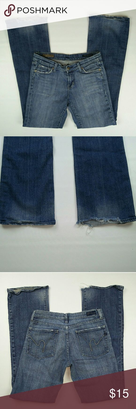 CITIZENS OF HUMANITY BOOT CUT JEANS 27 CITIZENS OF HUMANITY BOOT CUT JEANS 27 the bottoms are pretty worn out. IF YOU CAN GET PAST THAT OR YOU LOOKING FOR IT, THEY ARE YOURS FOR SYMBOLIC PRICE  SMOKE AND PETS FREE HOUSE  WILL SHIP WITHIN 24 HOURS FROM CLEARED PAYMENT Citizens of Humanity Jeans Boot Cut