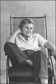 New Elizabeth Bishop Book Sparks a Controversy - New York Times