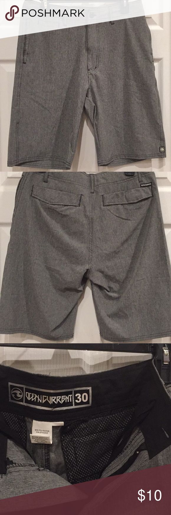 Ocean Current hybrid shorts/swim trunks These lightweight shorts are great to wear casually and go right into the water. Quick dry, hybrid shorts. Ocean Current brand. Gray. Size 30. EUC Ocean Current Shorts Hybrids