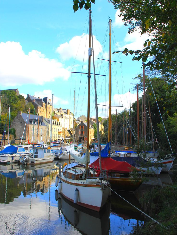 Vue sur le vieux port de La Roche-Bernard dans le Morbihan