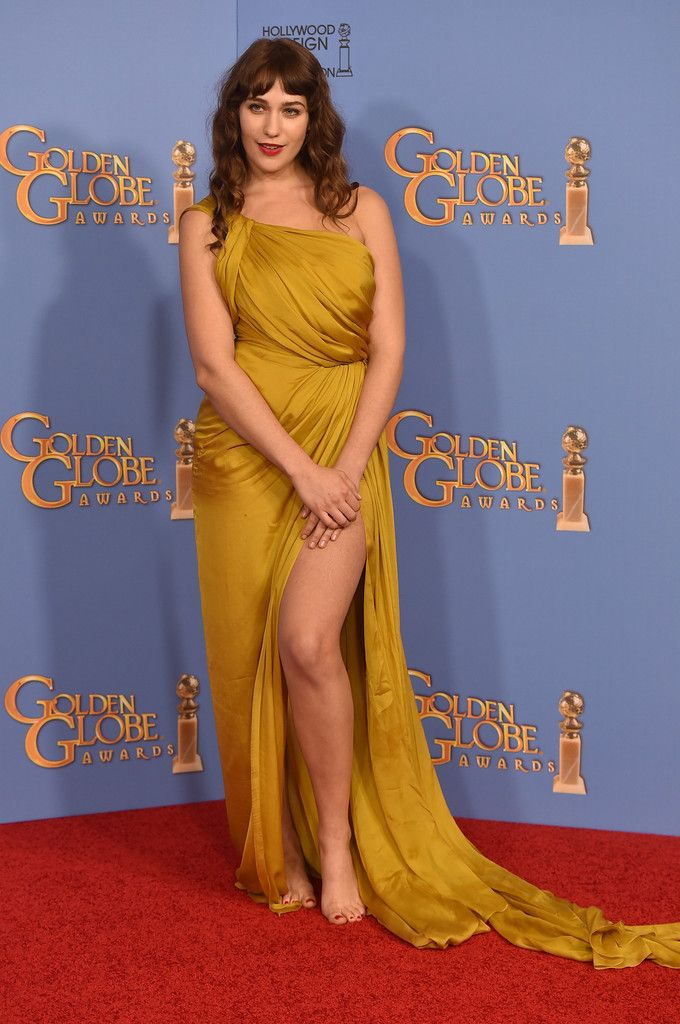 Fabulously Spotted: Lola Kirke Wearing  Monique Lhuillier - 2016 Golden Globes Awards - http://www.becauseiamfabulous.com/2016/01/11/lola-kirke-wearing-monique-lhuillier-2016-golden-globes/