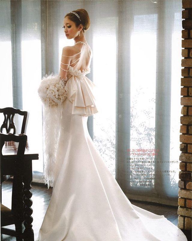 MMD-1079  レストラン&ゲストハウスウェディングの撮影で#菜々緒 さんに着ていただいた#マーメドドレス   サテン素材のシンプルなデザインですが、バックスタイルにインパクトがあり人気の一着です✨✨✨*・゜゚・*:.。..。.:*・'(*゚▽゚*)'・*:.。. .。.:*・゜゚・* ショルダーにかかる#ウェディングアクセサリー も可愛い 着席の時ビスチェタイプだと写真写りが 寂しいという方もぜひ参考にしてくださいね  ドレス決まっている方もお小物だけのレンタルもしておりますのでお気軽にお問い合わせください。☎️ #merrymarry  #wedding #mermaiddress  #メリーマリー  #マーメイドライン #ドレス試着 #ドレス選び #プレ花嫁 #卒花嫁 #卒花 #海外挙式 #海外ウェディング  #ナチュラルウェディング #フォトウェディング #販売ドレス  #ドレス購入 #ヘッドドレス  #オーダードレス  #ウェディングドレス選び  #2017年春婚 #2017年夏婚 #2017年秋婚