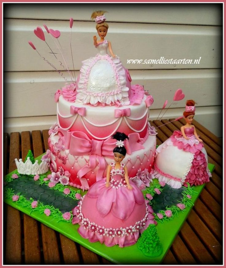 Pink, pink, pink barbie cake :) - Cake by Sam & Nel's Taarten