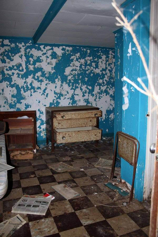 Wonderful Abandoned Places   Robert E. Lee Motel, Bristol VA, Demolished 2009