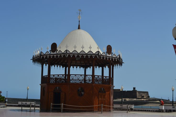 We're still enjoying stunning weather in Lanzarote, another day of wall to wall sunshine and 31 degrees, 0-15 km/h breeze from the north east. Image: Music Kiosk in Arrecife