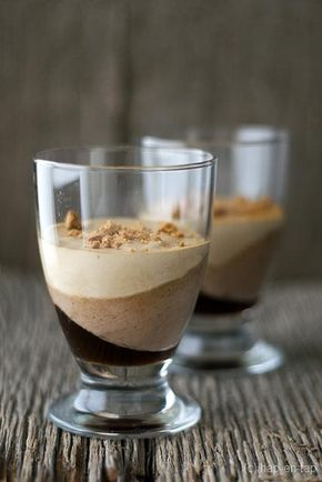 Laagjesdessert met koffie, praliné en vanille