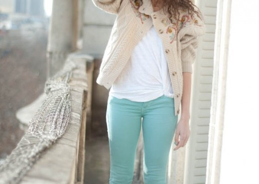 Another mint pastel jean + a beige jumper = :)