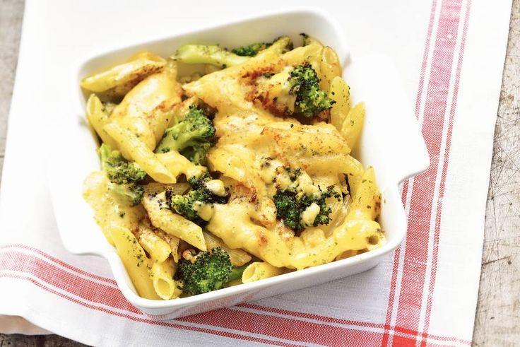Penne met broccoli en kaas uit de oven - Recept - Allerhande