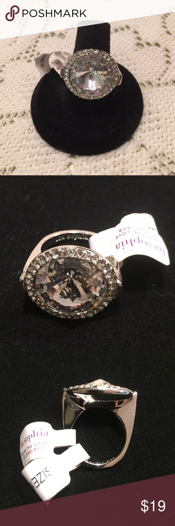 Lia Sophia✨Ring Silver tone ring. Large round stone. Lia Sophia Jewelry Rings