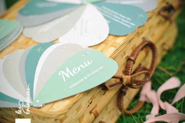 Mariage romantique en blanc, dans le Nord. Papeterie. Menu. ©Les crâneuses, wedding planner & designer.