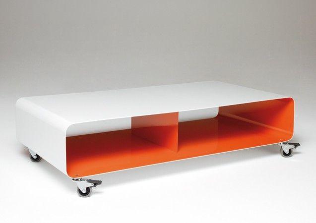 Müller salontafel op wielen. Te gebruiken als salontafel of tv-meubel. De tafel is gemaakt van aluminium en in één kleur of  twee kleuren leverbaar.