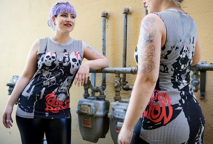 """TOO FAST does it again with this Loose fitting muscle tee with high low hem. Over sized """"Noise Pollution"""" graphic on front and back. Show off your tattoos in style. https://www.shopculture.ca/shop/Womens/details/NoisePollutionMuscleTee"""