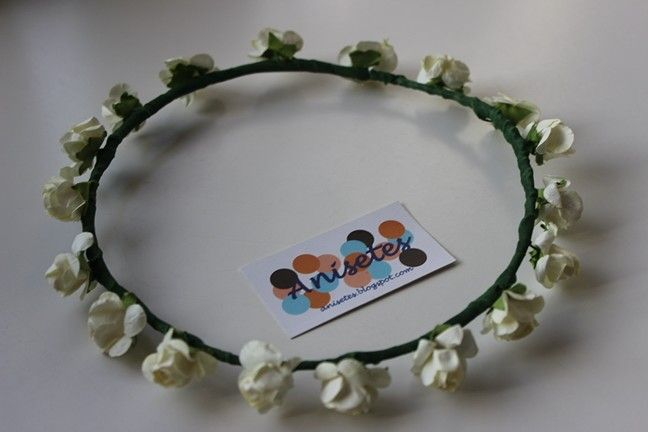 Coronita flores beig